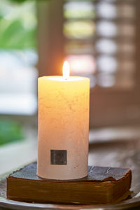 Rustic Candle pearl 7 x 13